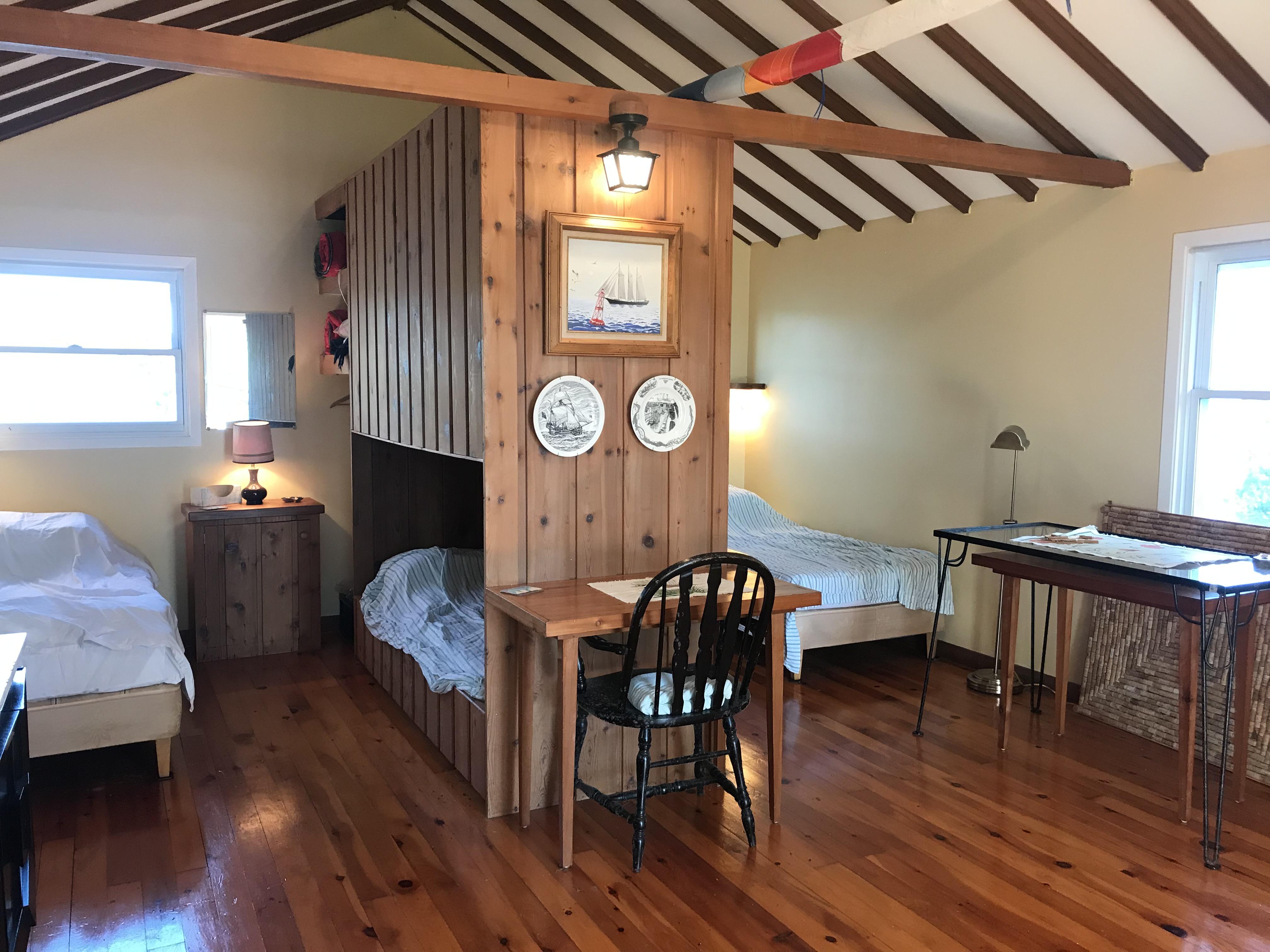 16 Guest Cottage 4