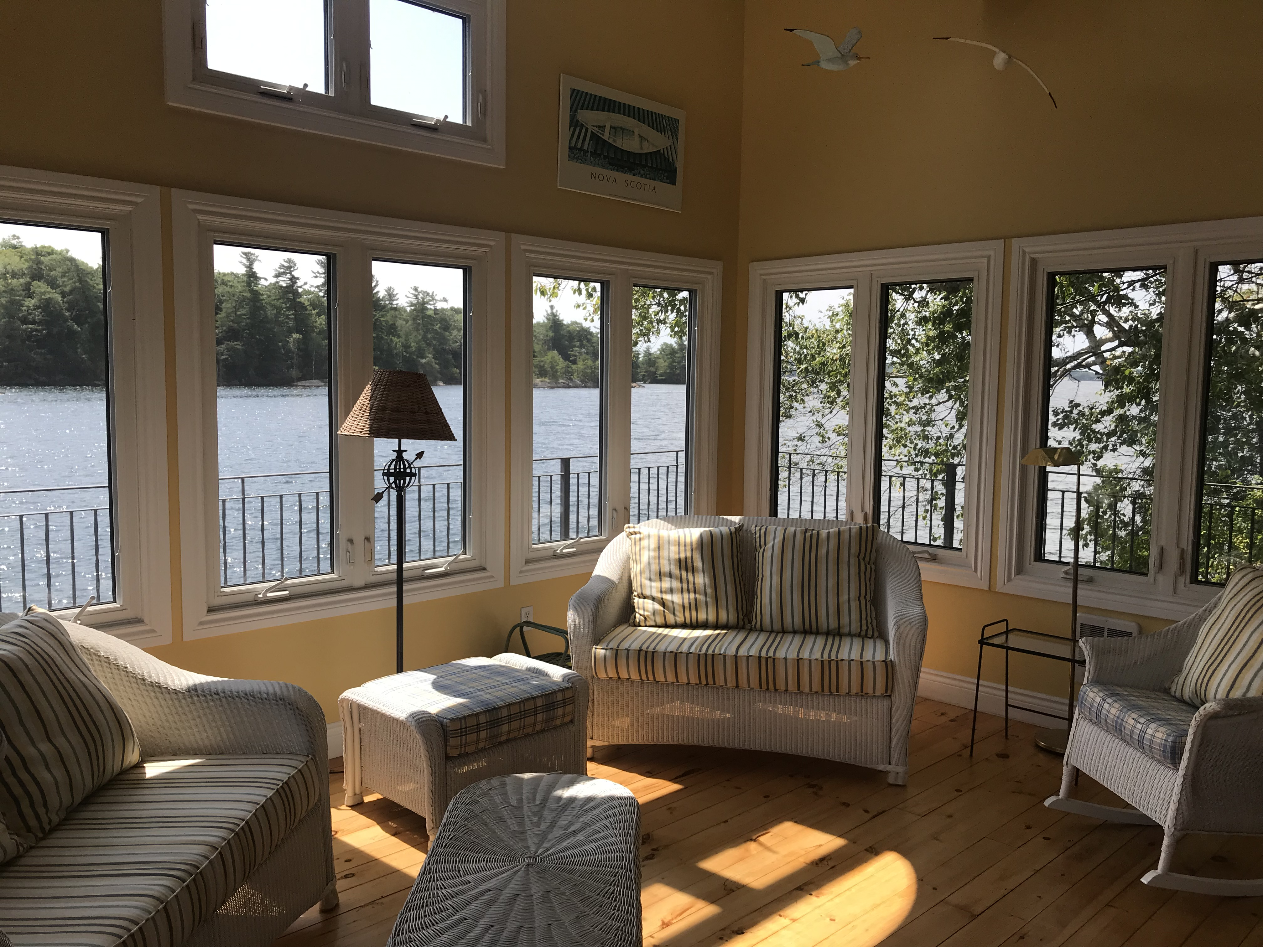 5 Living Room Sun End
