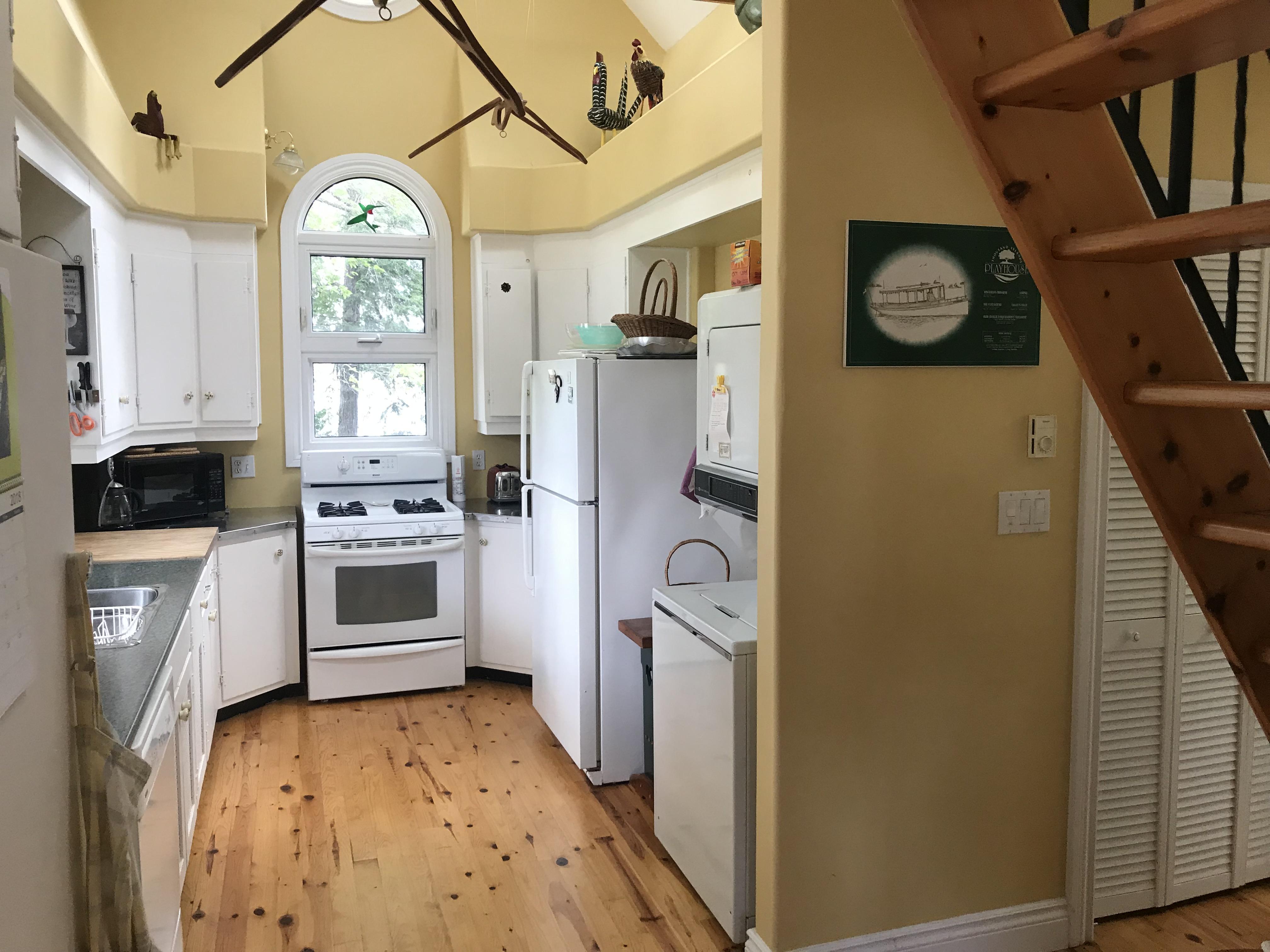 9 Kitchen Broad View
